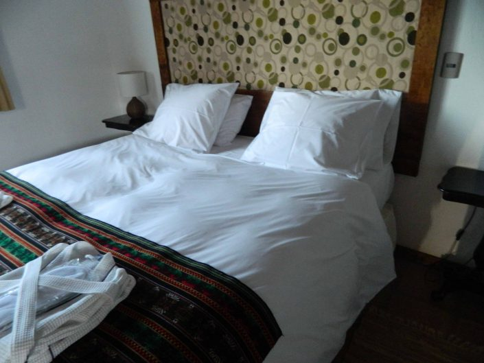 Comfortable bed - La Mirage Parador