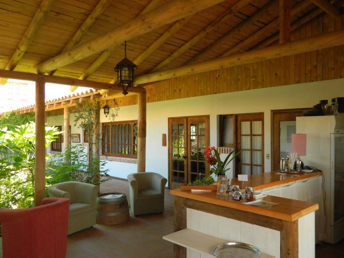 Interior terrace (another view) - La Mirage Parador