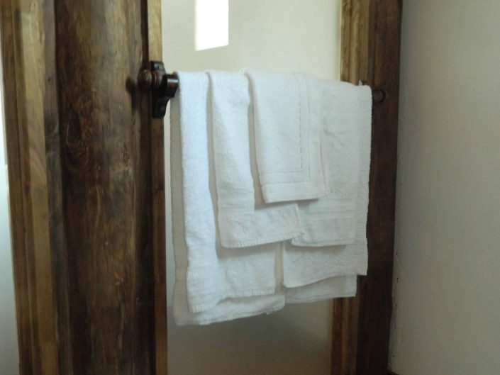 Private bathroom, towels - La Mirage Parador